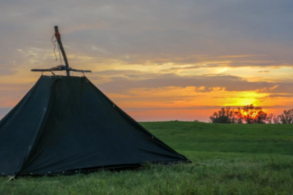 Kohte Pfadfinderzelt im Sonnenuntergang